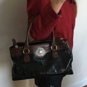Giani Bernini Logo Bag Pockets Zippers Brown